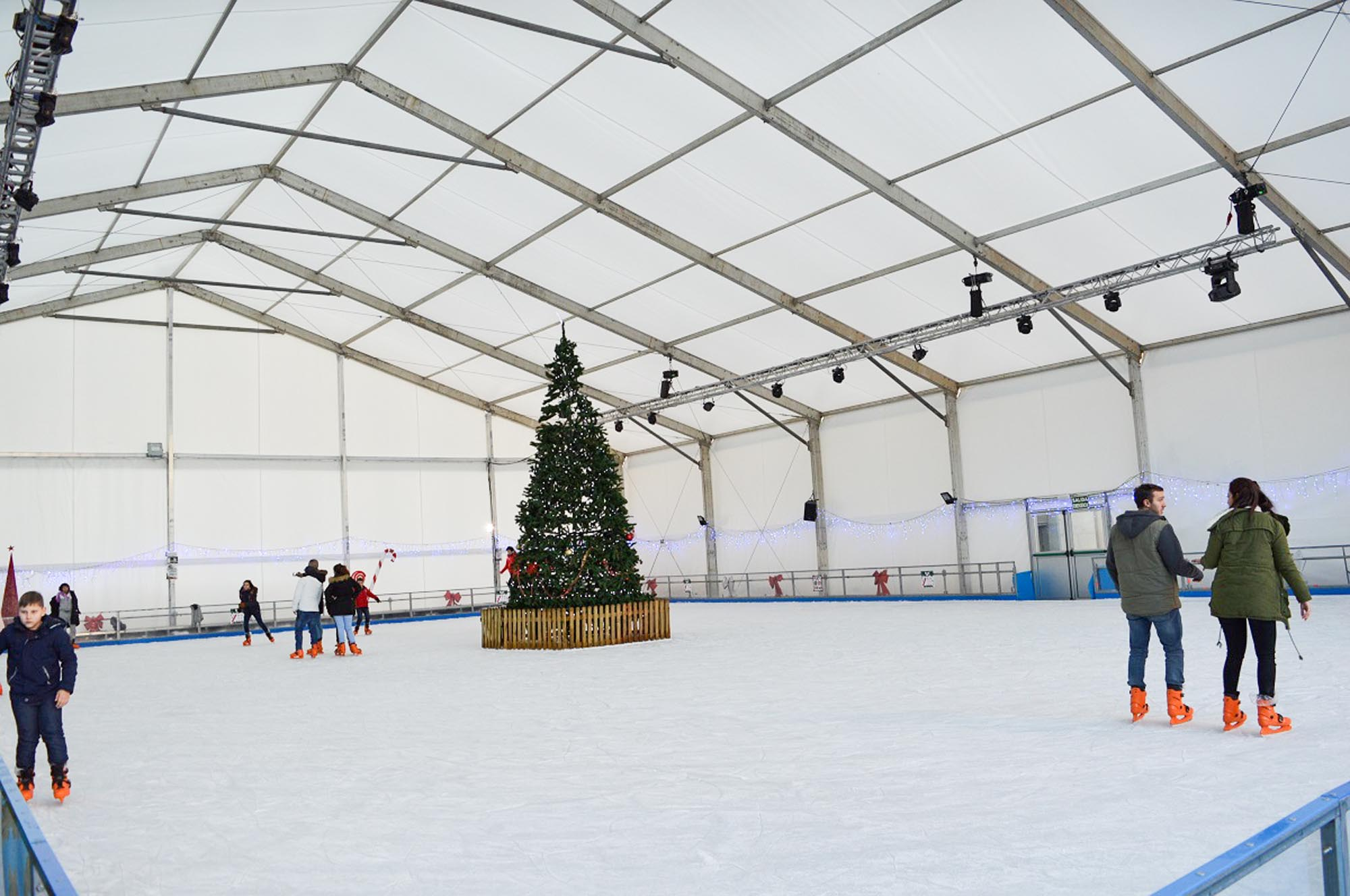 Carpa para pista de hielo por ARACARPAS, empresa de venta y alquiler de carpas